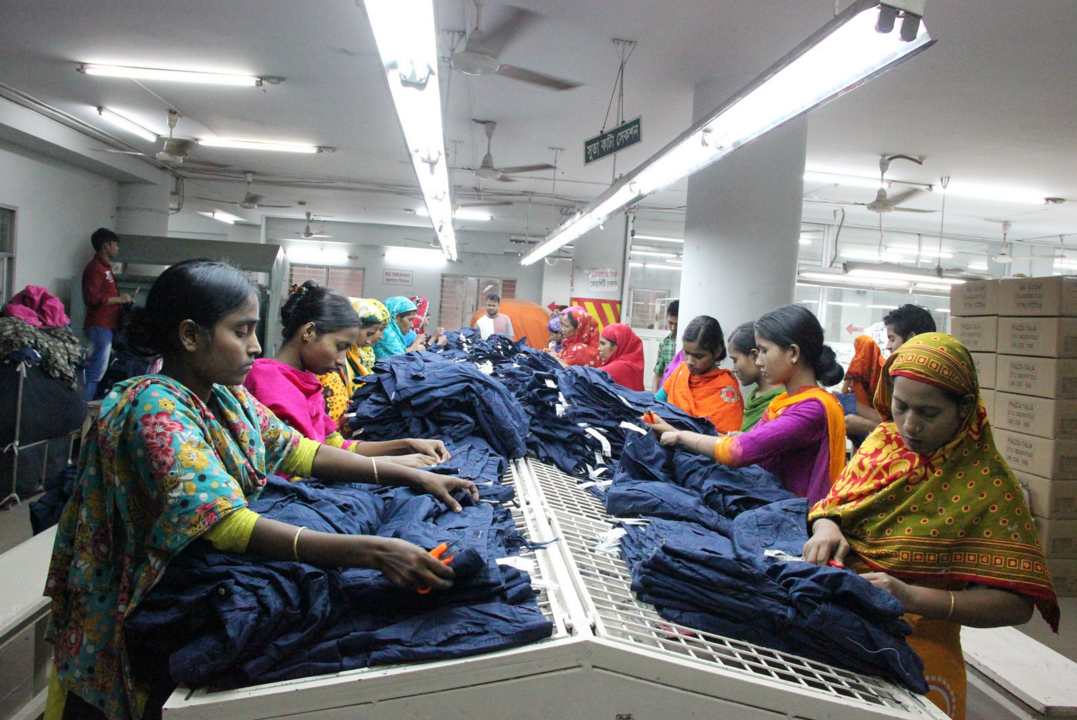 2016-04-15 10_35_59-Apparel Factory in Dhaka _ Flickr - Photo Sharing